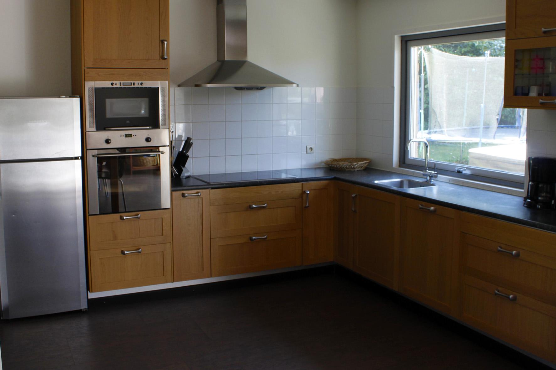 Villa vakantiehuis ardennen bonvie met jacuzzi internet fitness en sauna - Ingerichte keuken ...