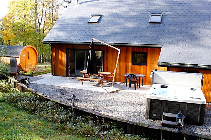 Villa vakantiehuis ardennen du bois in soy nabij hotton for Huisje met sauna en jacuzzi 2 personen